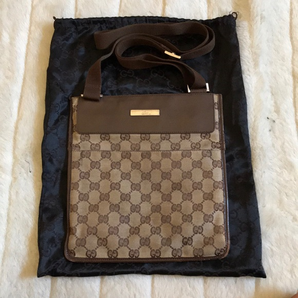 3c42a53ac1f Gucci Handbags - Gucci GG Monogram Messenger Bag